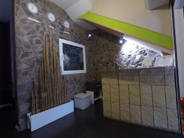 Bora Bora The Hotel 2*