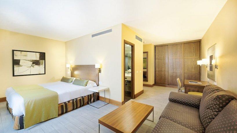 Astoria Hotel 3*