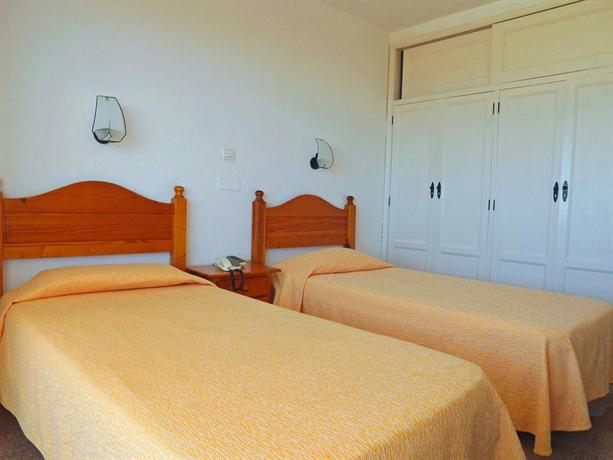 Apartments Las Camelias 2*