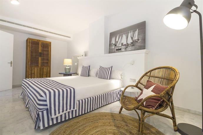Marina Suites 4*