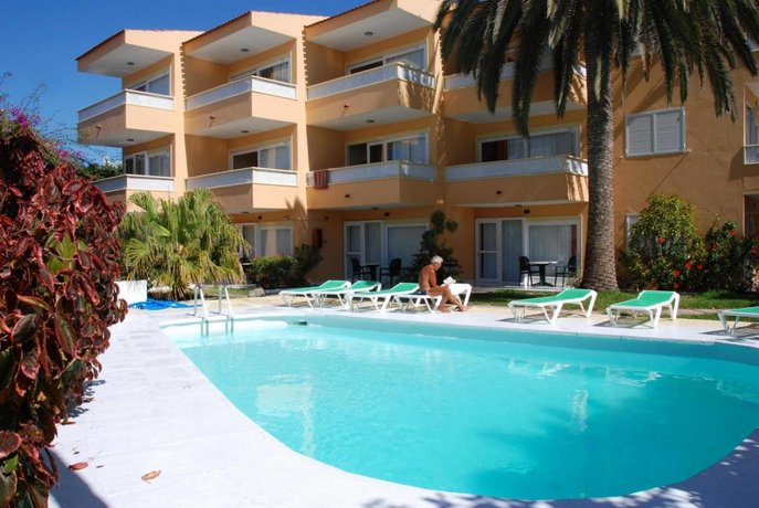 Apartamentos Las Tejas 2*