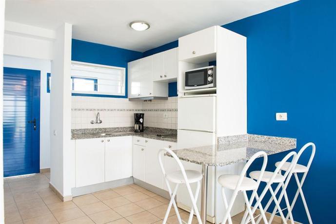 Apartments Los Caribes 2*