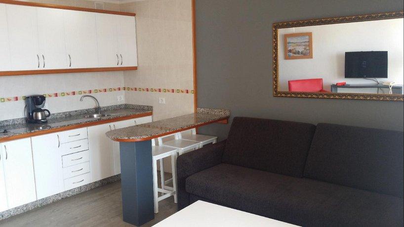 Apartments Roque Nublo 1*
