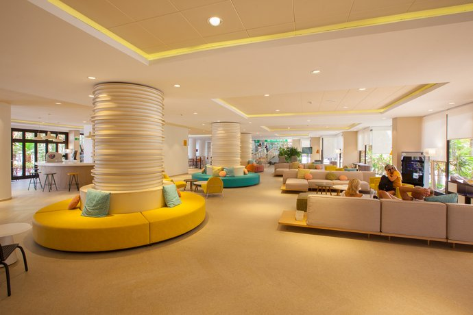 Abora Hotel Continental 3*
