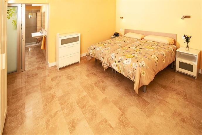 Apartments San Nicolas 2*