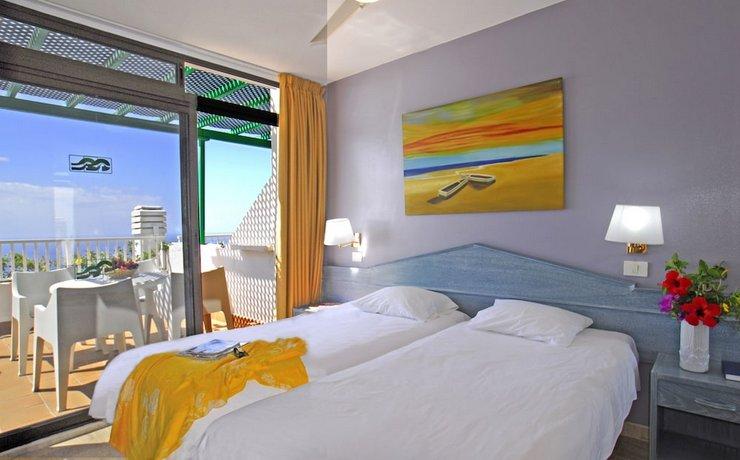 Aparthotel Altamar 3*