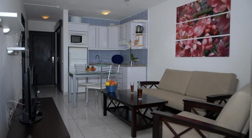 Apartments Portonovo 3*