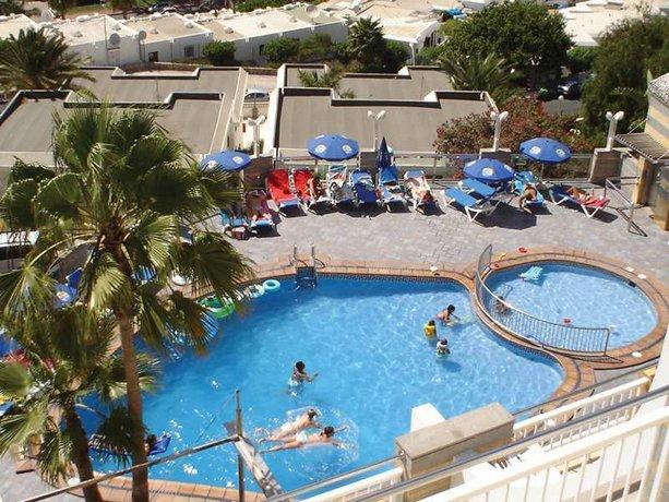 Apartments Cala Nova 2*