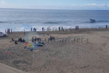 Flüchtlingsboot in Playa del Inglés, Entwarnung, KEIN Ebola!