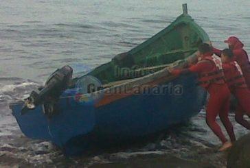 16 Flüchtlinge erreichen die Küste von Meloneras