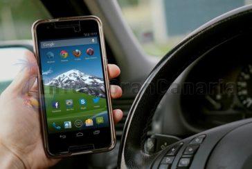Studie belegt: Smartphones im Auto lösen mehr und mehr Unfälle aus - Canarios ignorieren alles