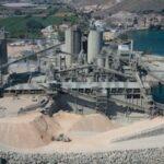 Anwohner wollen die Zementfabrik und das Dorf vor Massentourismus schützen
