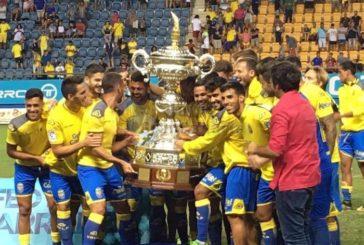 UD Las Palmas gewinnt das Turnier Trofeo Ramón de Carranza