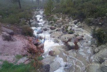 Sturm verursacht Überflutungen in vielen Gemeinden, Straßensperren und Stromausfälle