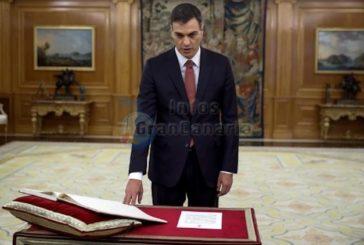 Geschichtsschreibung: Sanchez legt Amtseid ohne Bibel und Kruzifix ab - Er lehnt Verknüpfung von Staat und Religion ab