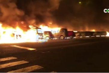 26 Fahrzeuge in Jinamar verbrannt - 2 Verletzte - Brandstiftung nicht ausgeschlossen inkl. Video