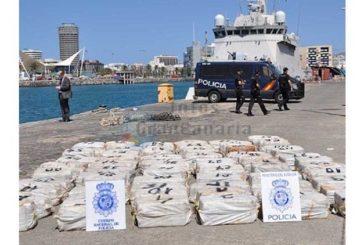 Boot mit 1,4 Tonnen Kokain in den Gewässern der Kanaren abgefangen