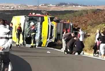 Unfall: Minibus kippt um, 4 Verletze - Fahrer postiv auf Drogen getestet - Mögliche Haft droht