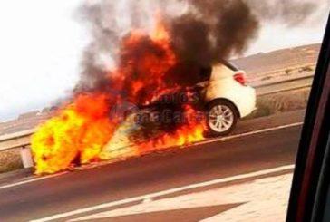 2 Fahrzeuge fingen Feuer und brannten aus - Verletzte gab es nicht!