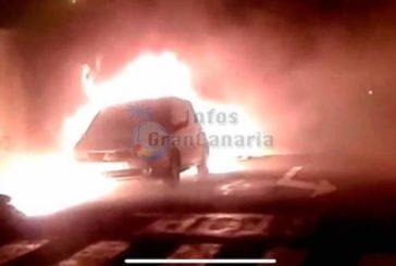 3 Fahrzeuge in Cruce de Sardina augebrannt