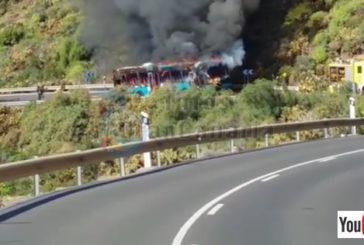 Bus von Global SU ging in Flammen auf - Keine Verletzten