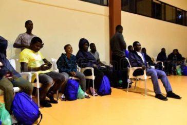Gerichtliche Anordnung: Polizei darf Abreise von Flüchtlingen mit Pass oder Asylantrag nicht unterbinden