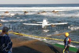 Kleines Flugzeug vor der Küste von Moya ins Meer gestürzt
