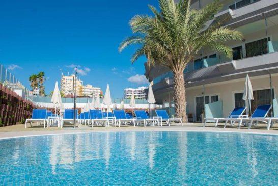 Tourismus auf den Kanaren kaum noch haltbar - Arbeitplätze fallen weg, Hotels schließen wieder