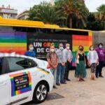 Regenbogen auf Bussen, Taxis etc. zum Pride Day in Las Palmas 2020