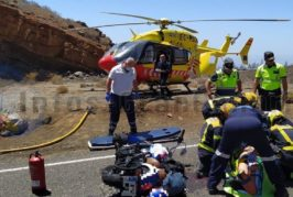2 Motorräder sind auf der GC-550 frontal kollidiert, beide Fahrer schwer verletzt