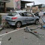 Unfall am CC Las Arenas – Palmen und Straßenlaterne zerstört