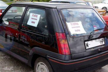 Verkaufsschild in der Autoscheibe kann nun teuer werden, Bußgelder drohen!