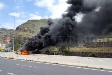 Fahrzeug auf der GC-2 ausgebrannt
