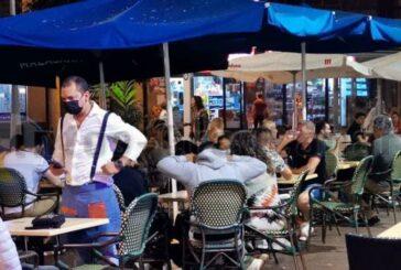 Volle Terrassen in Las Palmas - Inkl. Einhaltung der Coronamaßnahmen!