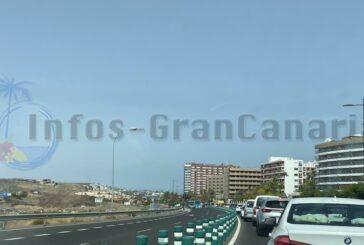 Verkehrszusammenbruch in Playa del Inglés wegen Unfall auf der GC-1