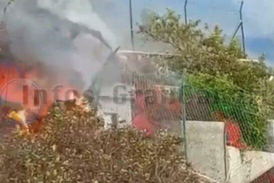 Lava verschlingt Haus