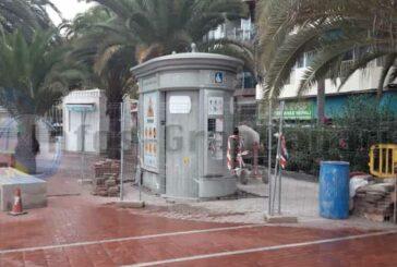 Neues Toilettenhaus am Strand Las Canteras im Bau