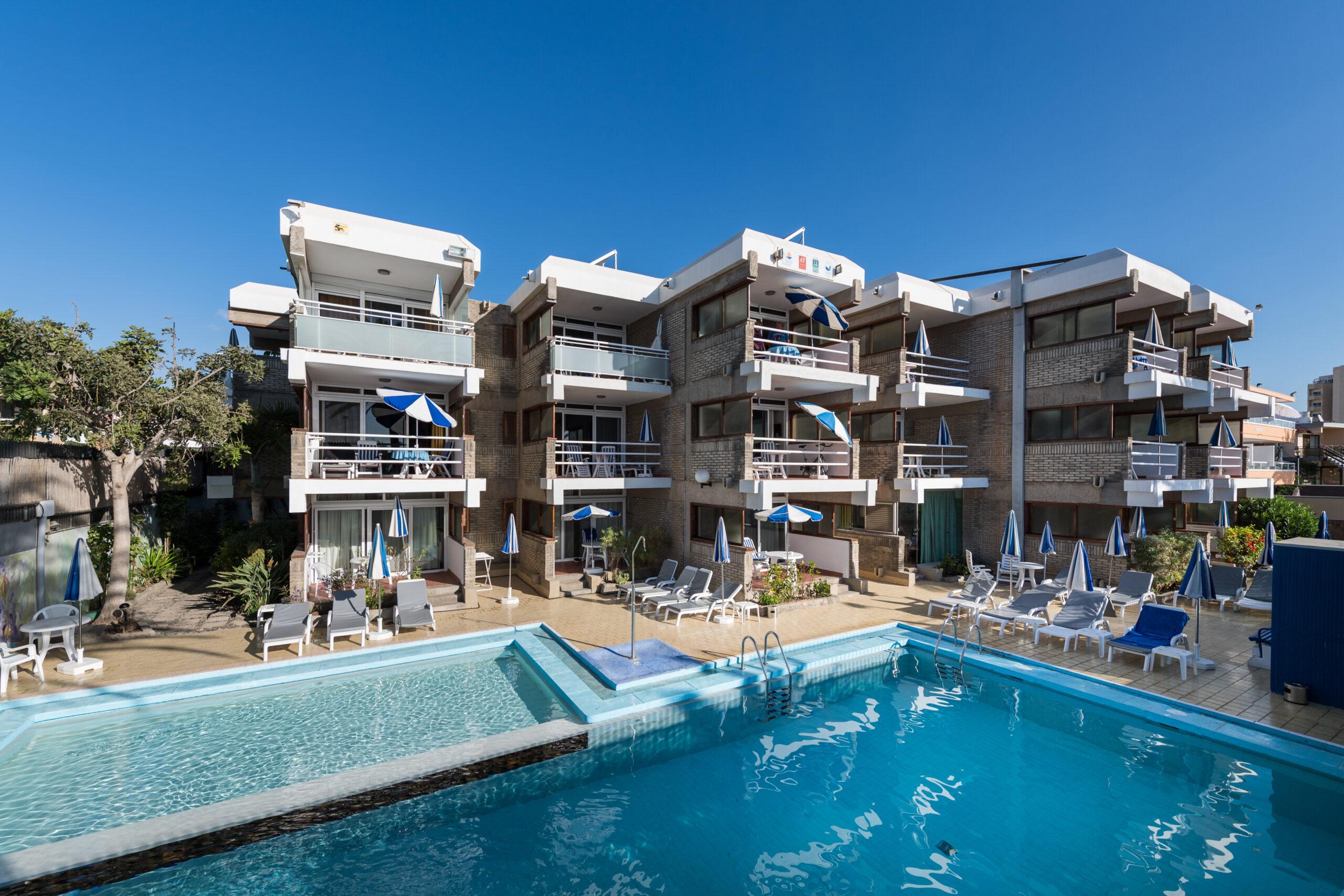 Apartments El Paseo